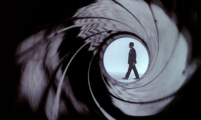 james bond, james bond 007, james bond ταινιες, james bond ποτο, ο πρωτος james bond, ποιοι επαιξαν τον james bond, ποιοσ ηταν ο πρωτοσ james bond, 50 χρονια james bond, ιστορία james bond, πως δημιουργηθηκε ο james bond